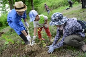 植樹祭 参加者の方様子